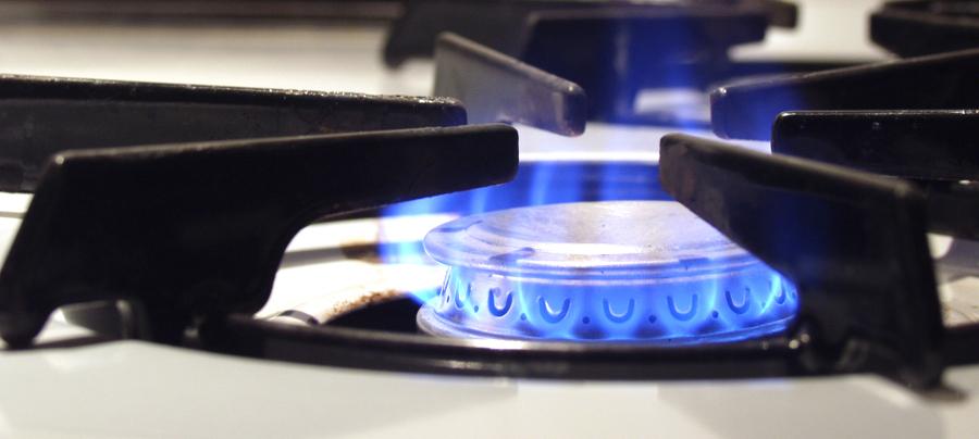 включенная газовая горелка