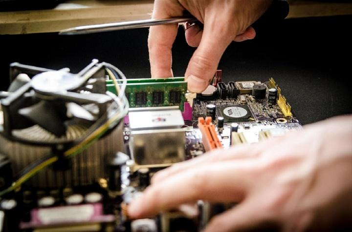 ремонт электронного устройства